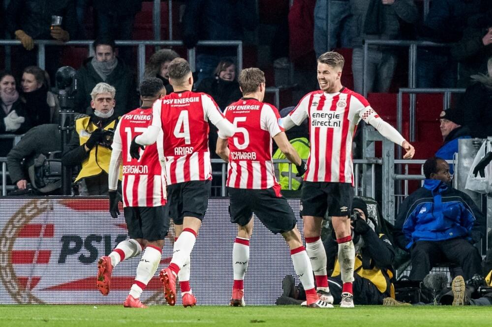 VVV strijdend ten onder op bezoek bij PSV