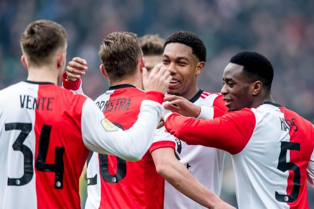 Feyenoord haalt uit in stadsderby