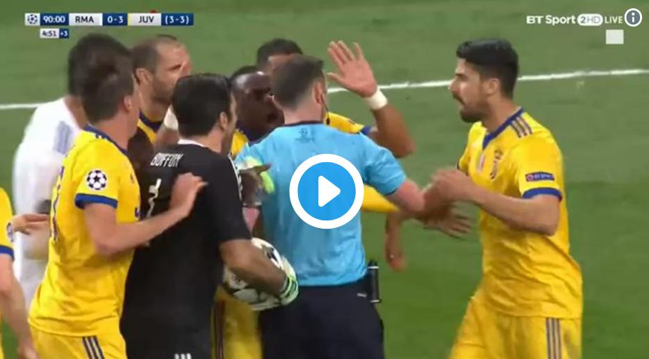 Nieuwe beelden!! Niet Buffon maar Costa had de rode kaart moeten krijgen!!