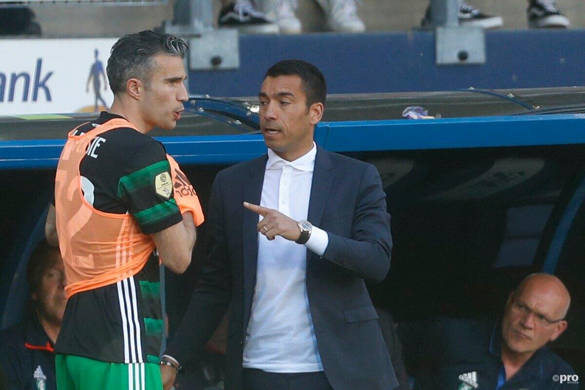 Van Persie gaat door bij Feyenoord