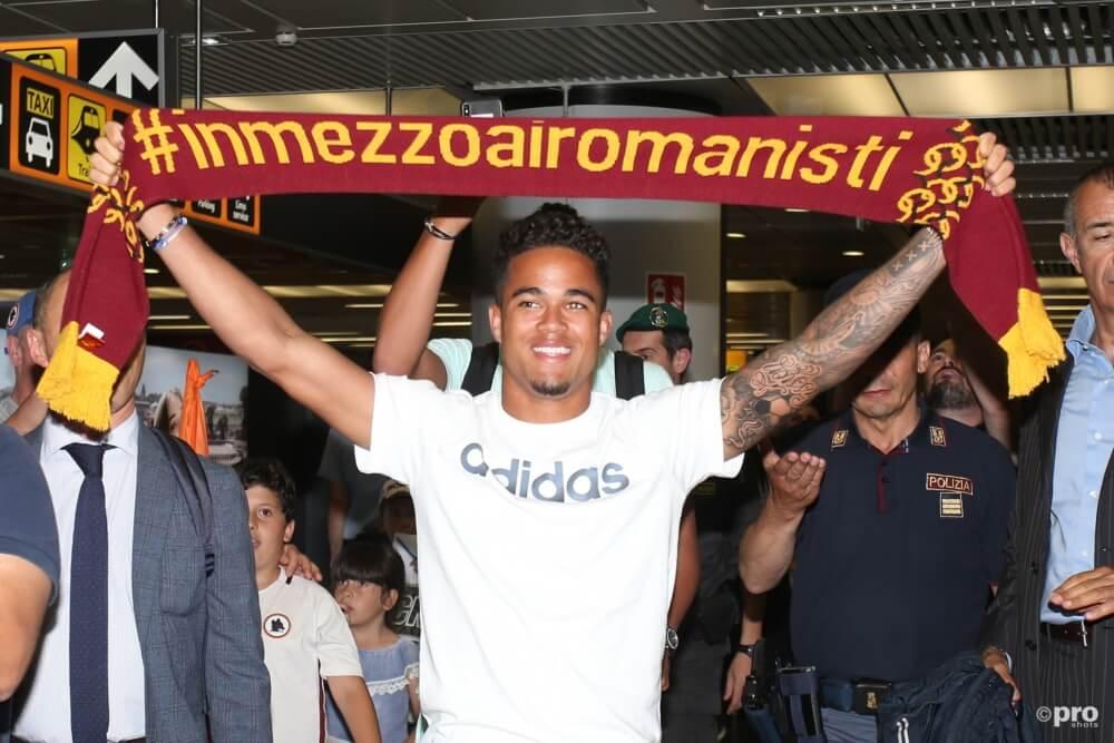 Kluivert arriveert in Rome voor medische keuring