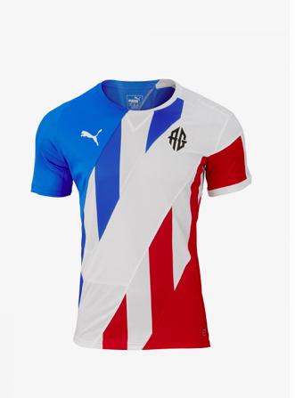 PUMA mixt shirts om de eenheid die een WK veroorzaakt te vieren