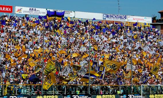 Wow! Het derde shirt van Parma kan weleens het mooiste shirt van het seizoen zijn