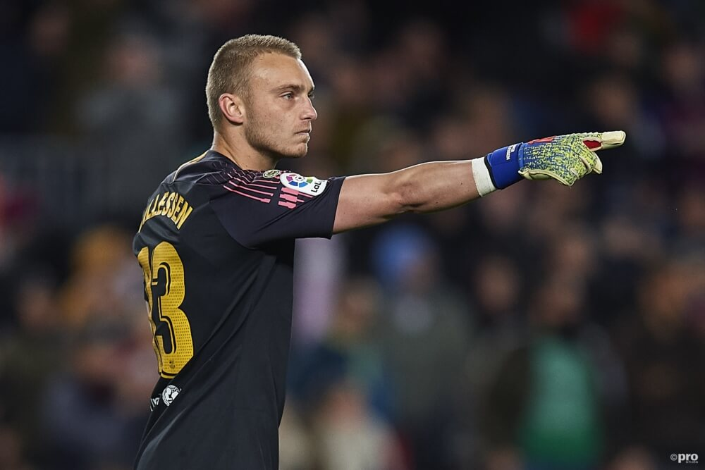 Manchester United aast op Cillessen