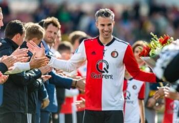 Feyenoord neemt afscheid van Van Persie met prachtige video